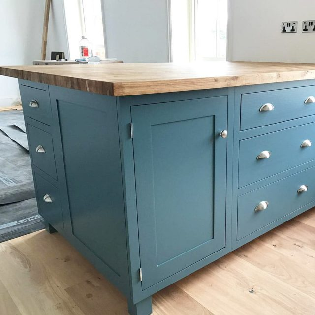 Hand Made Solid Wood Fitted Kitchens